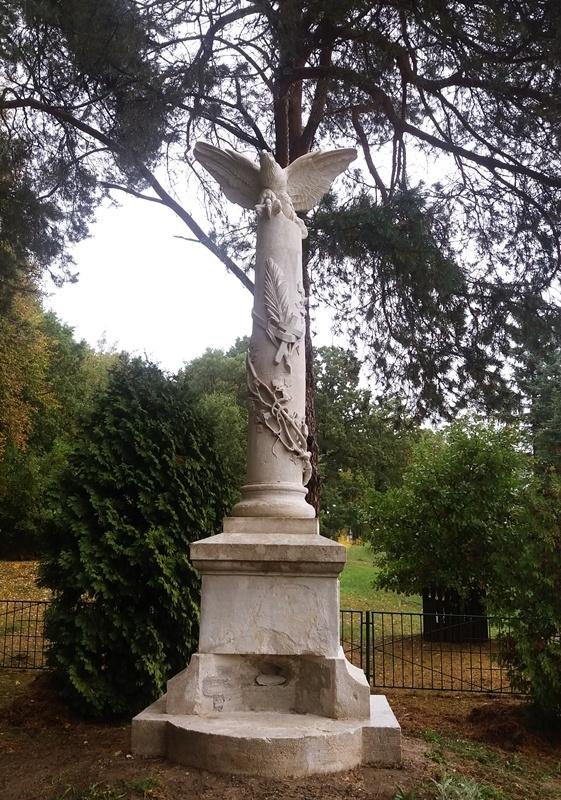 Pomnik nowy22